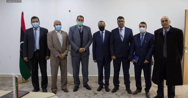 اجتماع دولة رئيس مجلس الوزراء بمعالي الدكتور وزير التعليم والسادة/ د. رؤساء الجامعات.