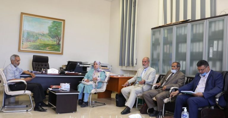اجتماع اللجنة التحضيرية للمؤتمرالعلمي بكلية التربية