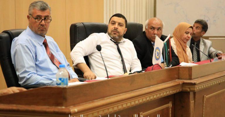 ندوة علمية بعنوان (من اجل ترسيخ ثقافة سياسة هادفة في المجتمع الليبي)