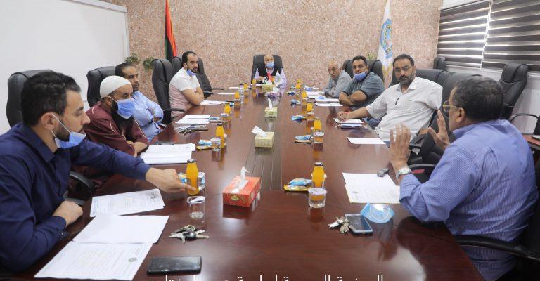 اجتماع الأستاذ الدكتور/ رئيس الجامعة مع فريق الموقع الإلكتروني .