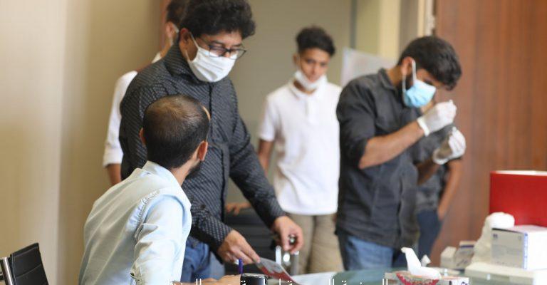انطلاق إجراء الجرعة الثانية بكليتي الصيدلة والتمريض ضد فيروس كورونا.