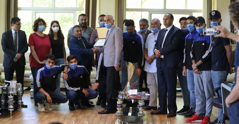 أعضاء البعثة الاثارية من الجامعات الايطالية في ضيافة جامعة عمر المختار.